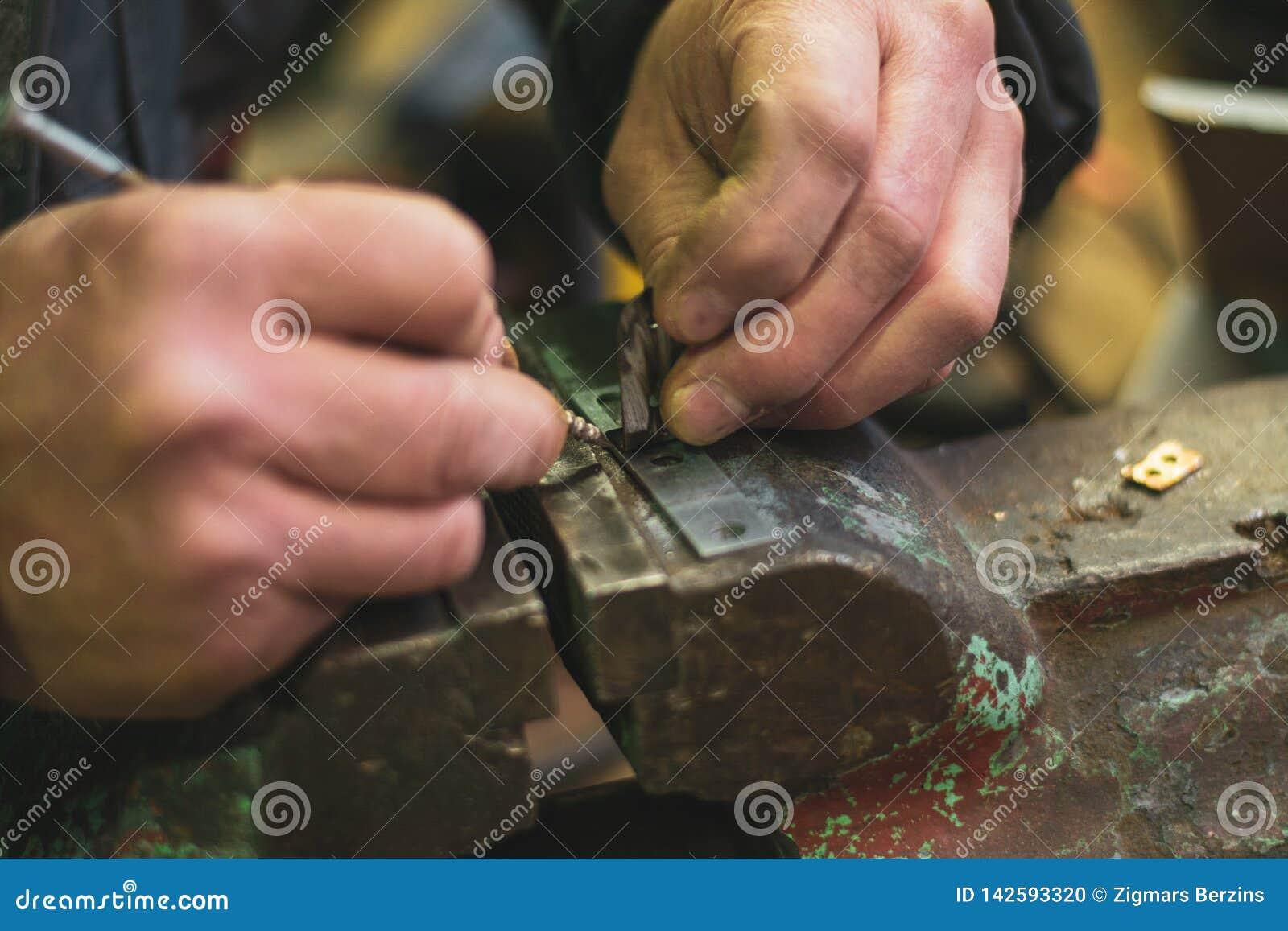 Metalllaster und Handwerksarbeit