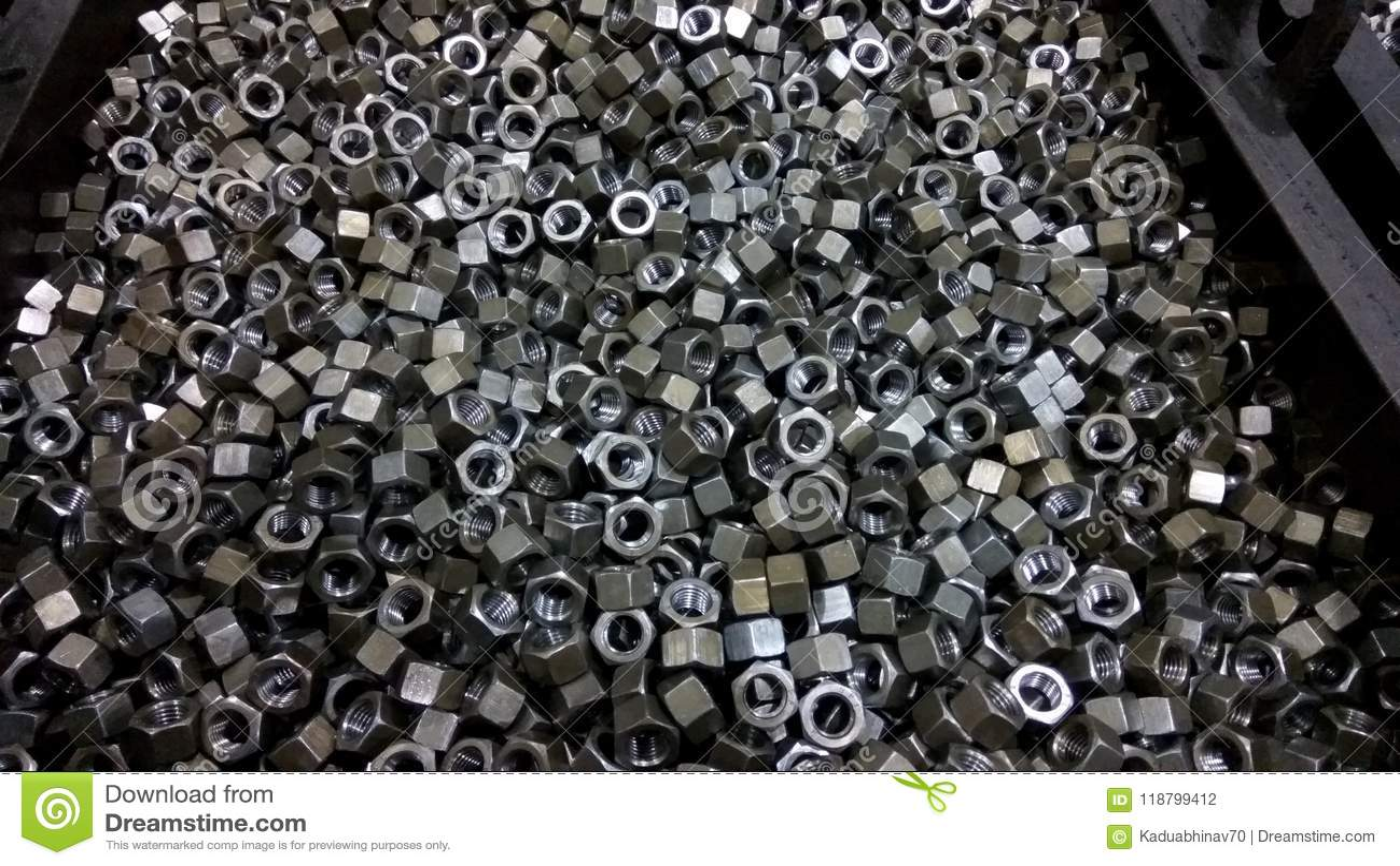Metallmuttergrupp