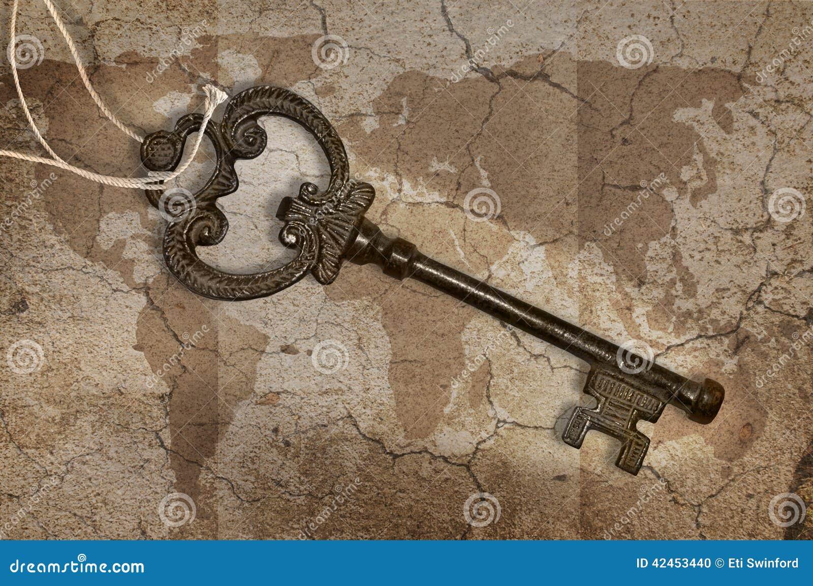 Metallschlüssel auf Karte