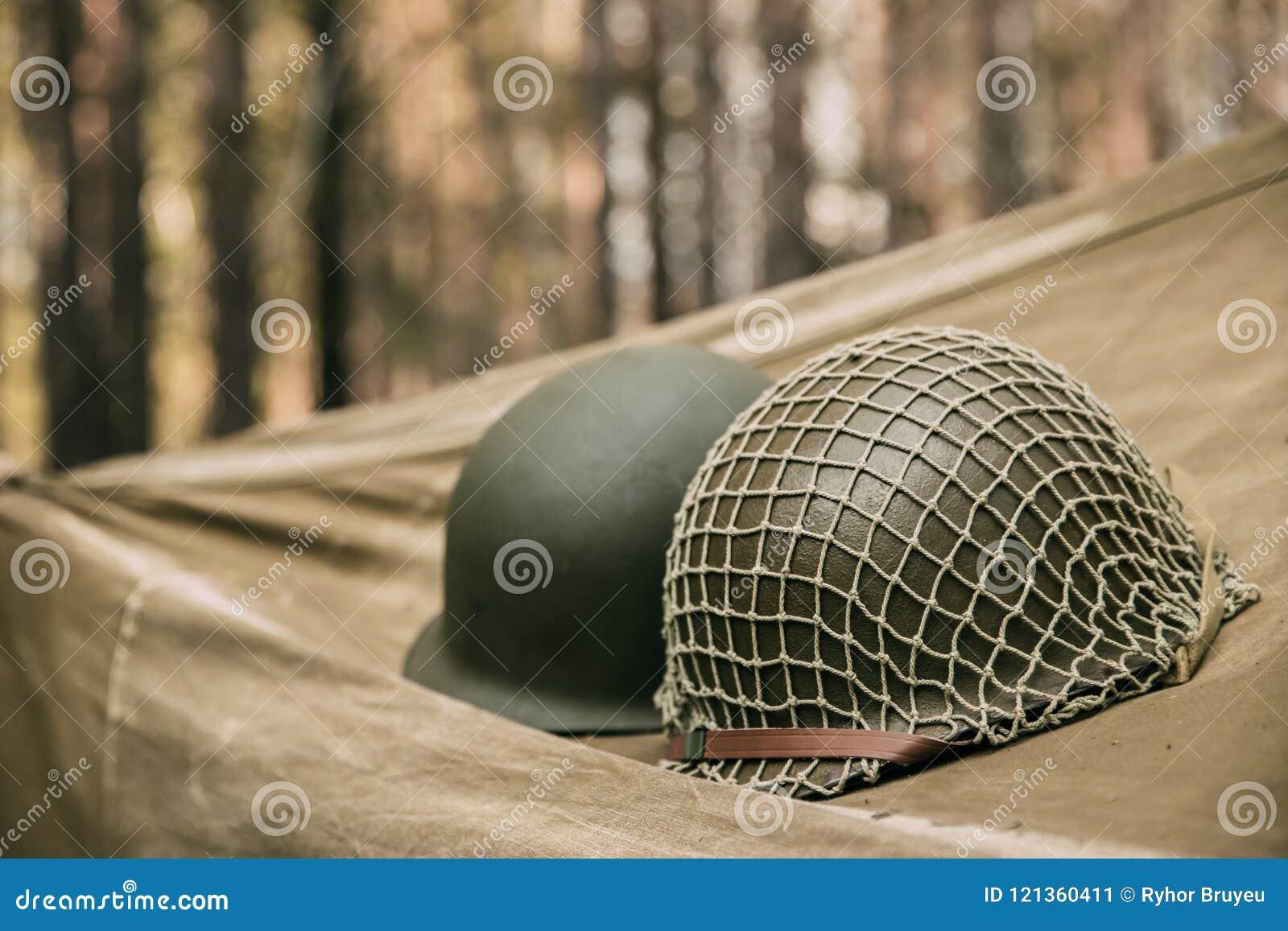 Metallsturzhelm des Armee-Infanterie-Soldaten At World War Vereinigter Staaten II