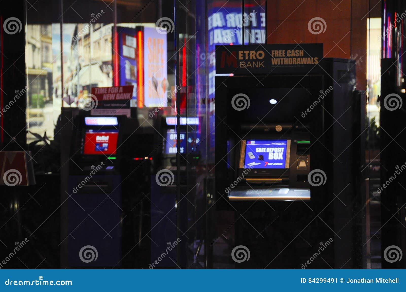Metro-Bank ATM England Großbritannien