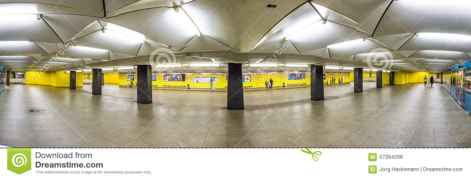 Metro post voor S en u-Bahn Eschenheimer Turm in Frankfurt