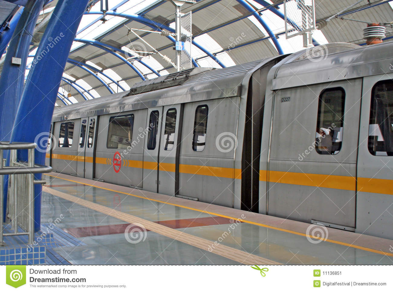 advantages and disadvantages of metro rail in delhi We will go over the advantages and disadvantages of fast food in this article fast food had many more disadvantages in the past couple of decades today, the industry is expanding into i am 19 year old girl live in new delhi i start my blog which is all about travel, fashion, lifestyle, beauty.