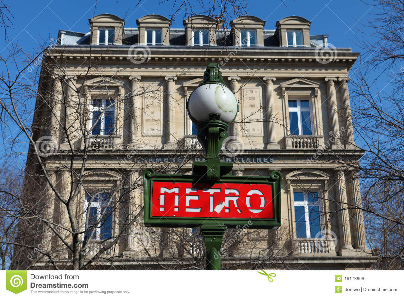 Metro sign in paris editorial stock photo image 19178608 for Chambre de notaire paris