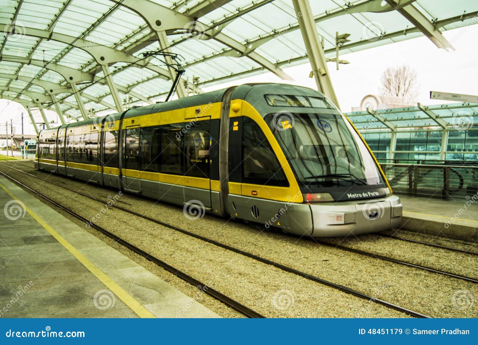 Metro train Porto stock image. Image of spradhandce, travel - 48451179