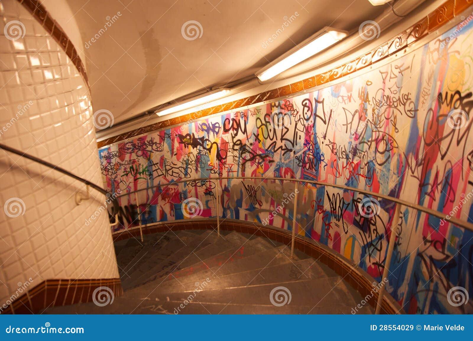 Metro van de abdissen van parijs trap stock afbeelding