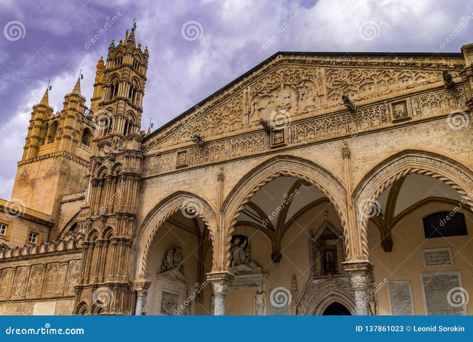 Metropolitaanse Kathedraal van de Veronderstelling van Maagdelijke Mary, in Palermo, Sicilië