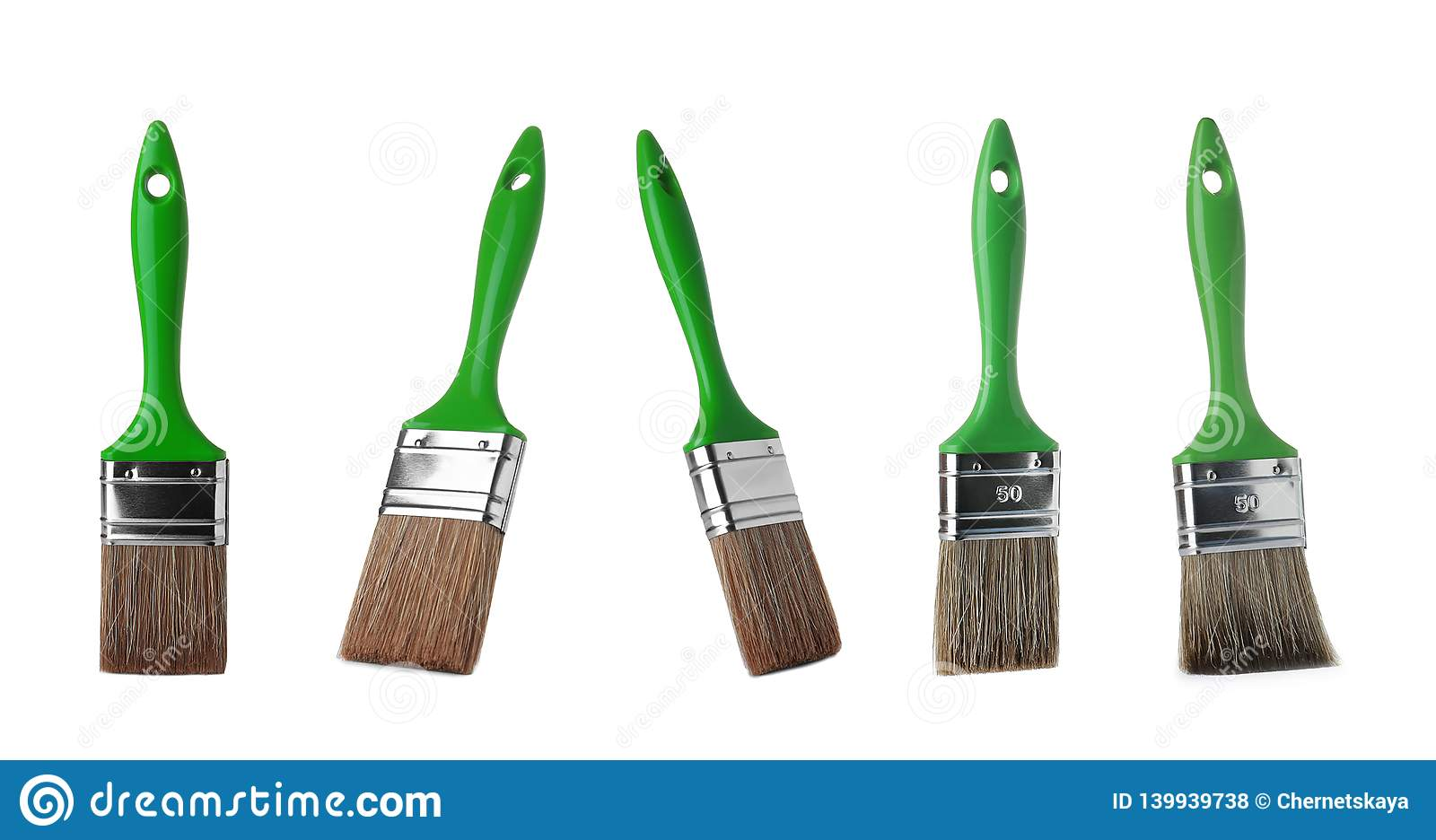 Metta dei pennelli puliti