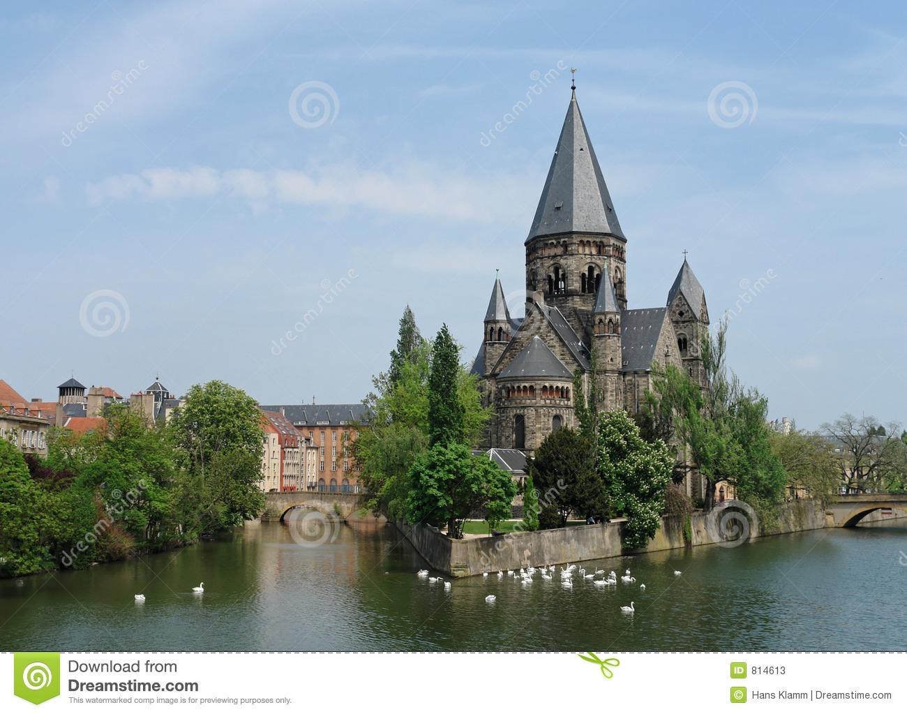 Metz church stock image image of swans romanesque town for Tarif chauffage urbain metz