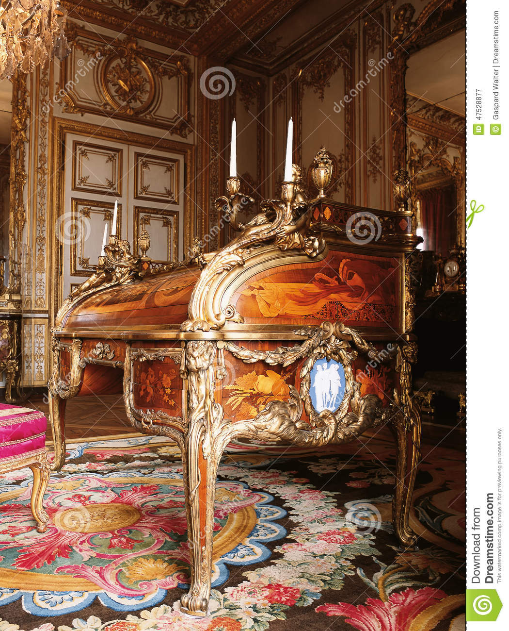 meubles au palais de versailles france photographie ditorial image 47528877. Black Bedroom Furniture Sets. Home Design Ideas
