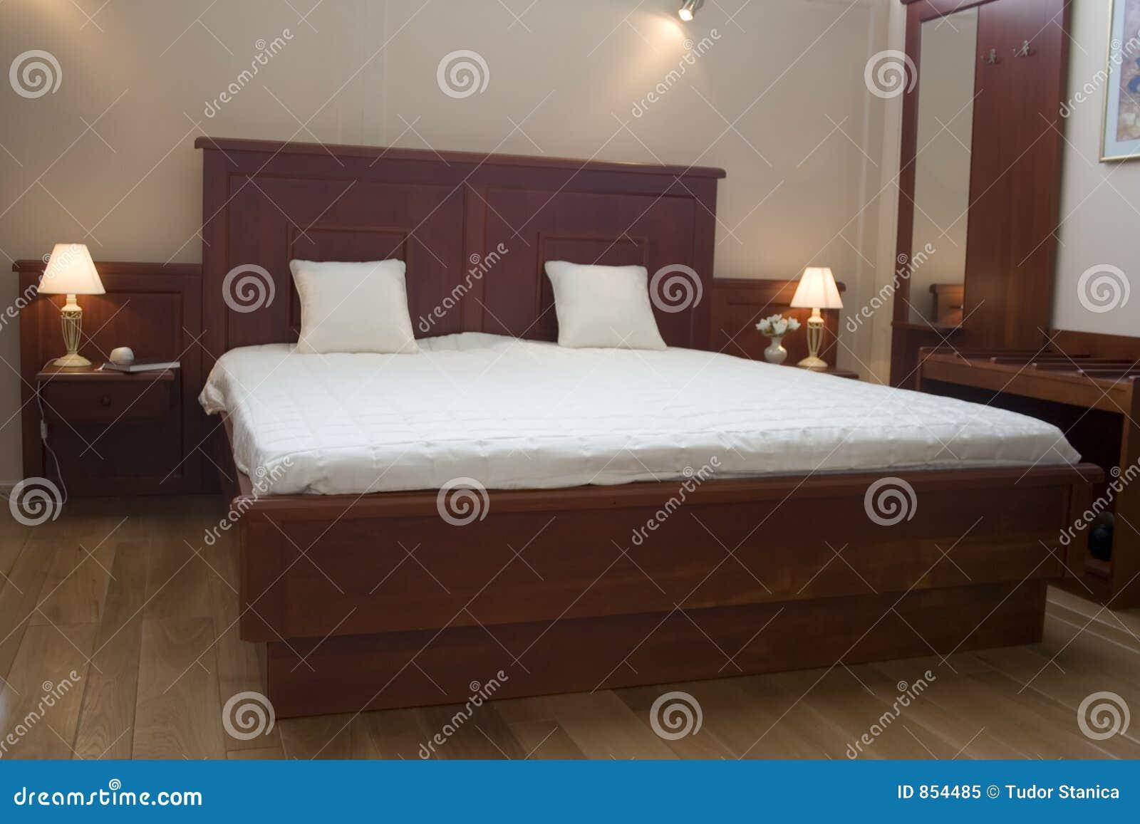 Meubles de chambre coucher photo libre de droits image for Ameublement de chambre a coucher