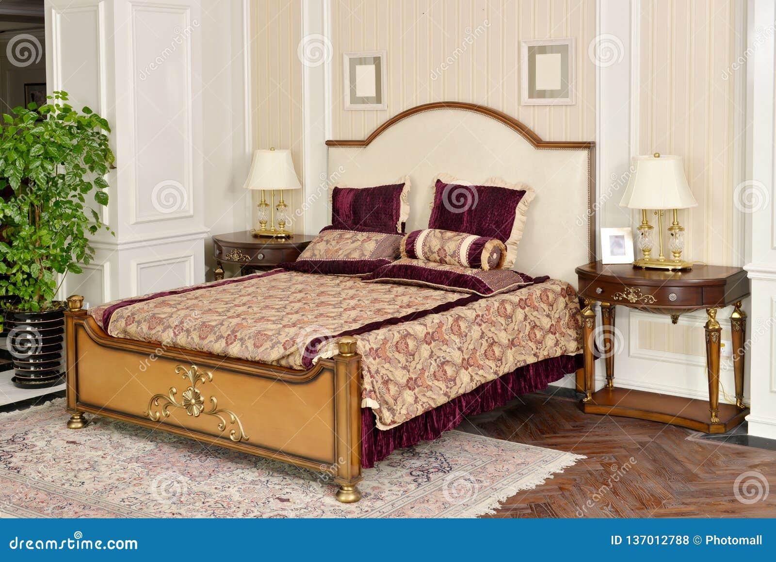Meubles de pièce de chambre à coucher dans la maison de luxe