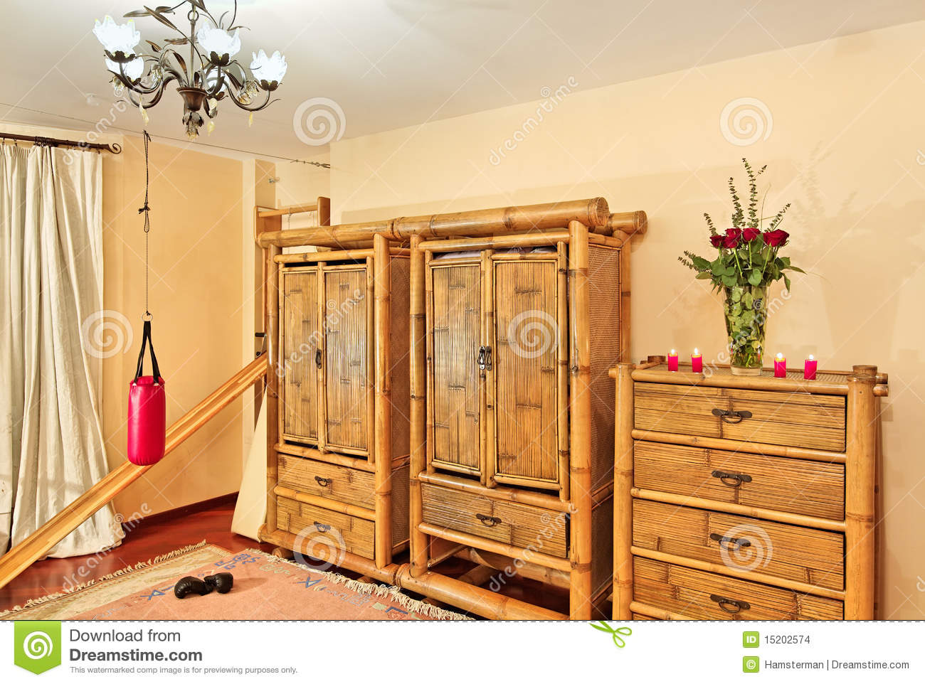 meubles en bambou ethniques photo stock image du rouge. Black Bedroom Furniture Sets. Home Design Ideas