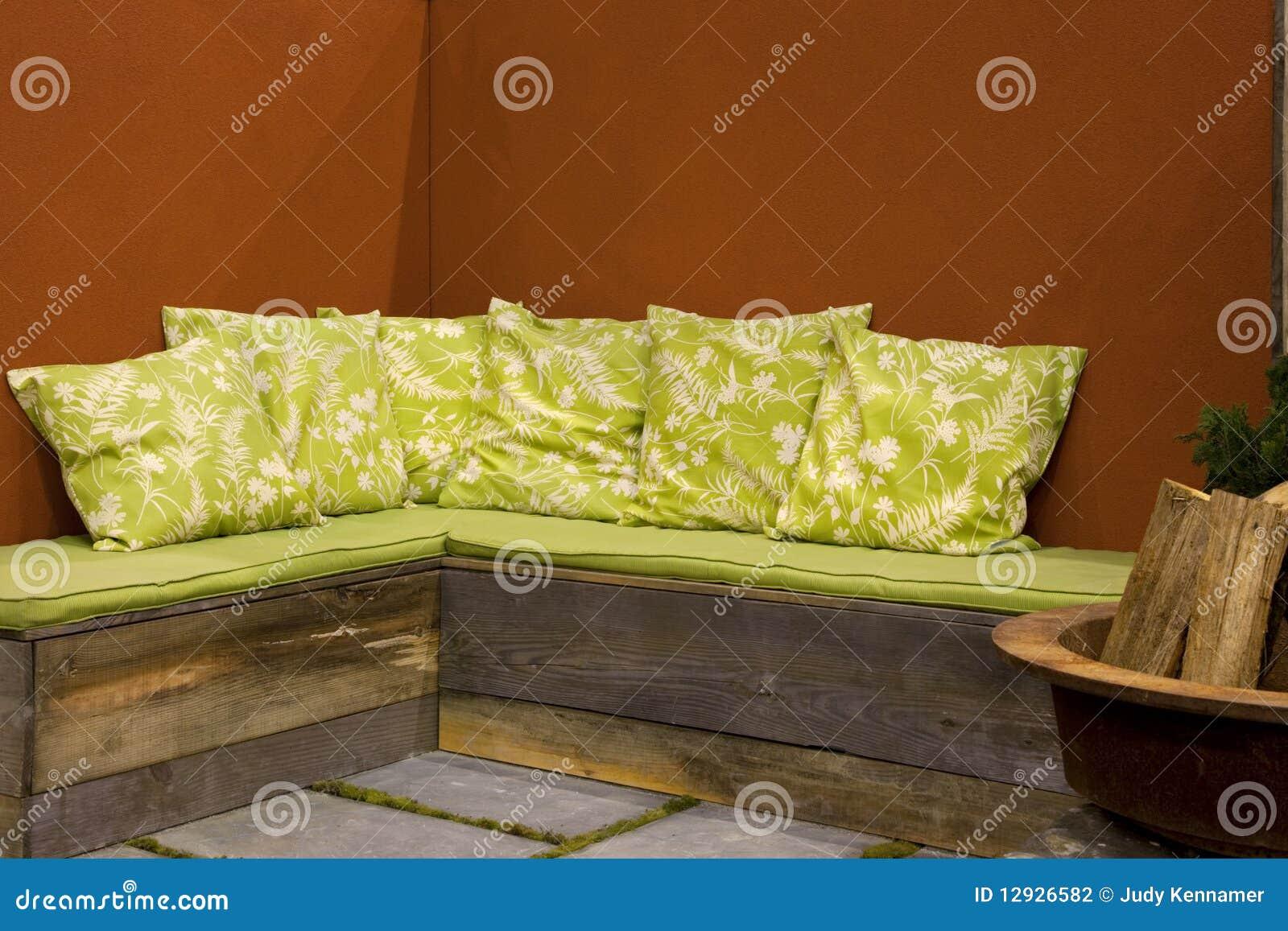 meubles ext rieurs de patio photographie stock image 12926582. Black Bedroom Furniture Sets. Home Design Ideas