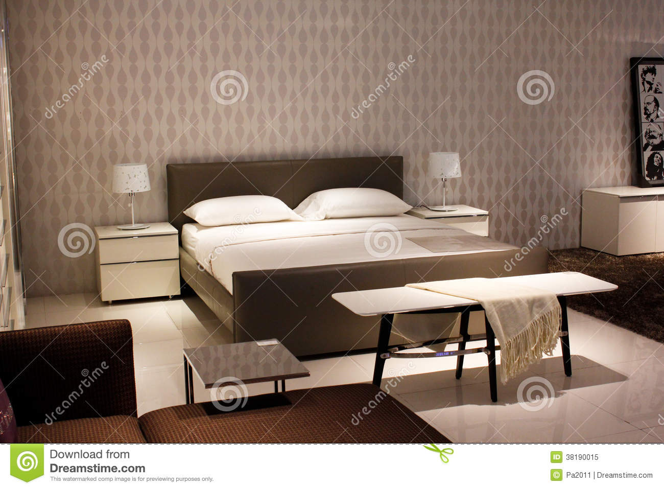 Meubles modernes chinois de style chambre coucher image stock image du int rieurs for Chambre a coucher style