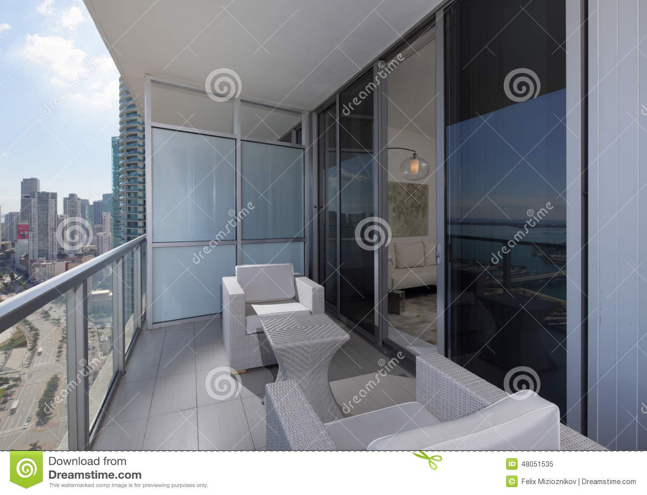 meubles modernes de balcon image stock image du condominium 48051535. Black Bedroom Furniture Sets. Home Design Ideas