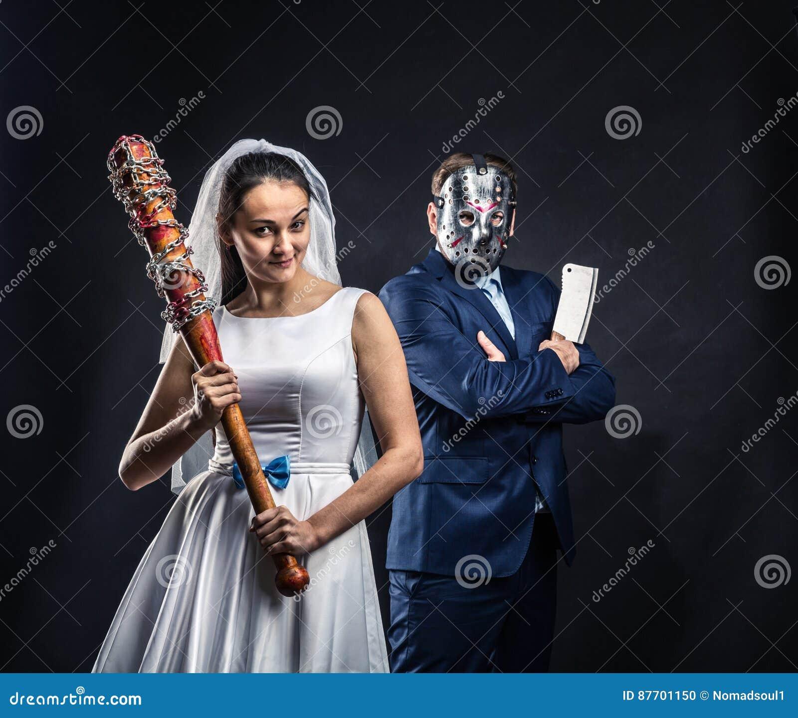 Meurtriers périodiques de nouveaux mariés, fond noir
