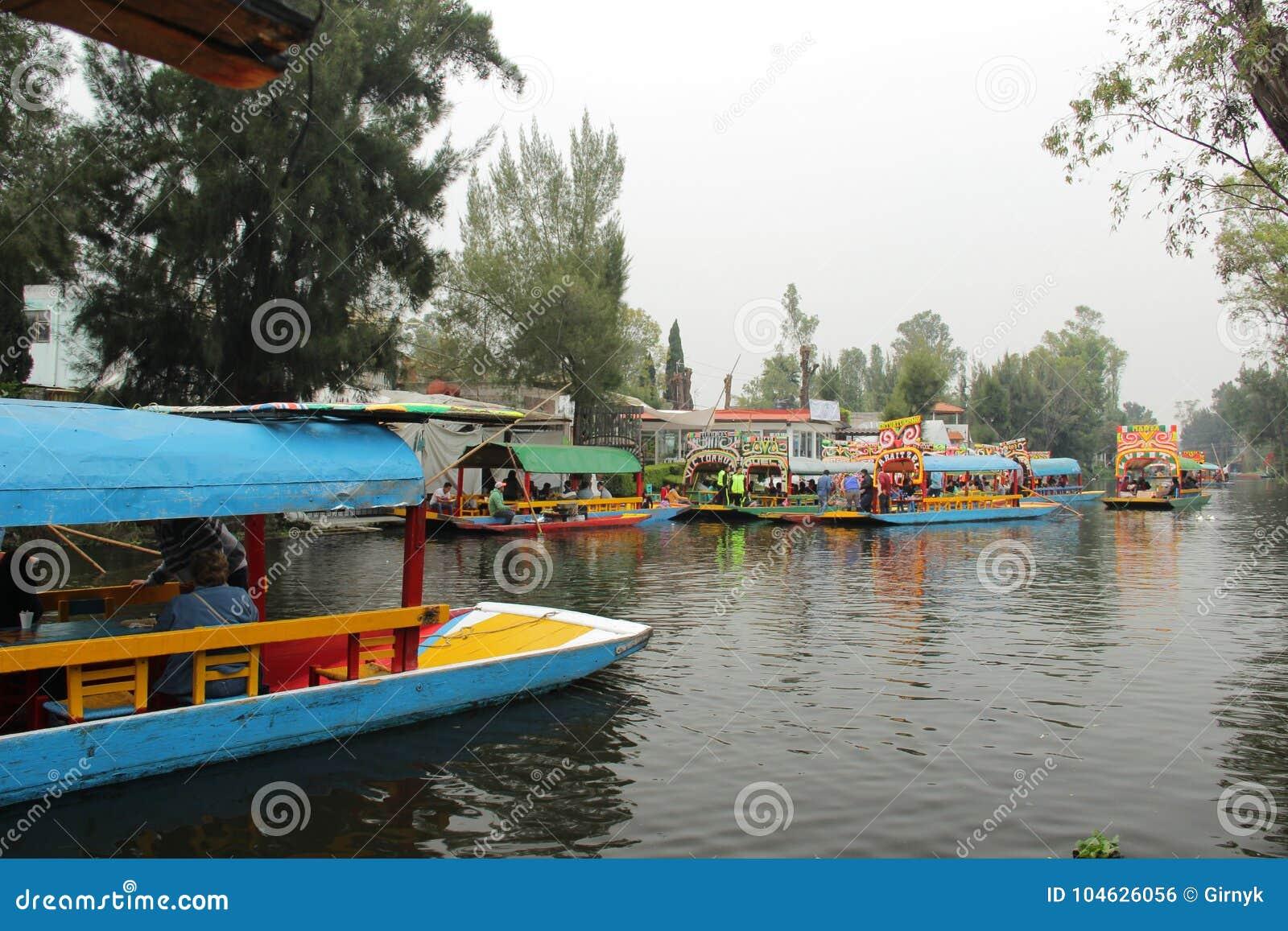 Download Mexicaans Waterdistrict Van Xochimilco Redactionele Foto - Afbeelding bestaande uit mexicaans, eiland: 104626056