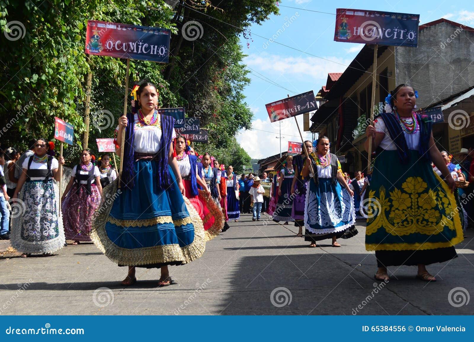 Mexican craftswomen trooping in Uruapan