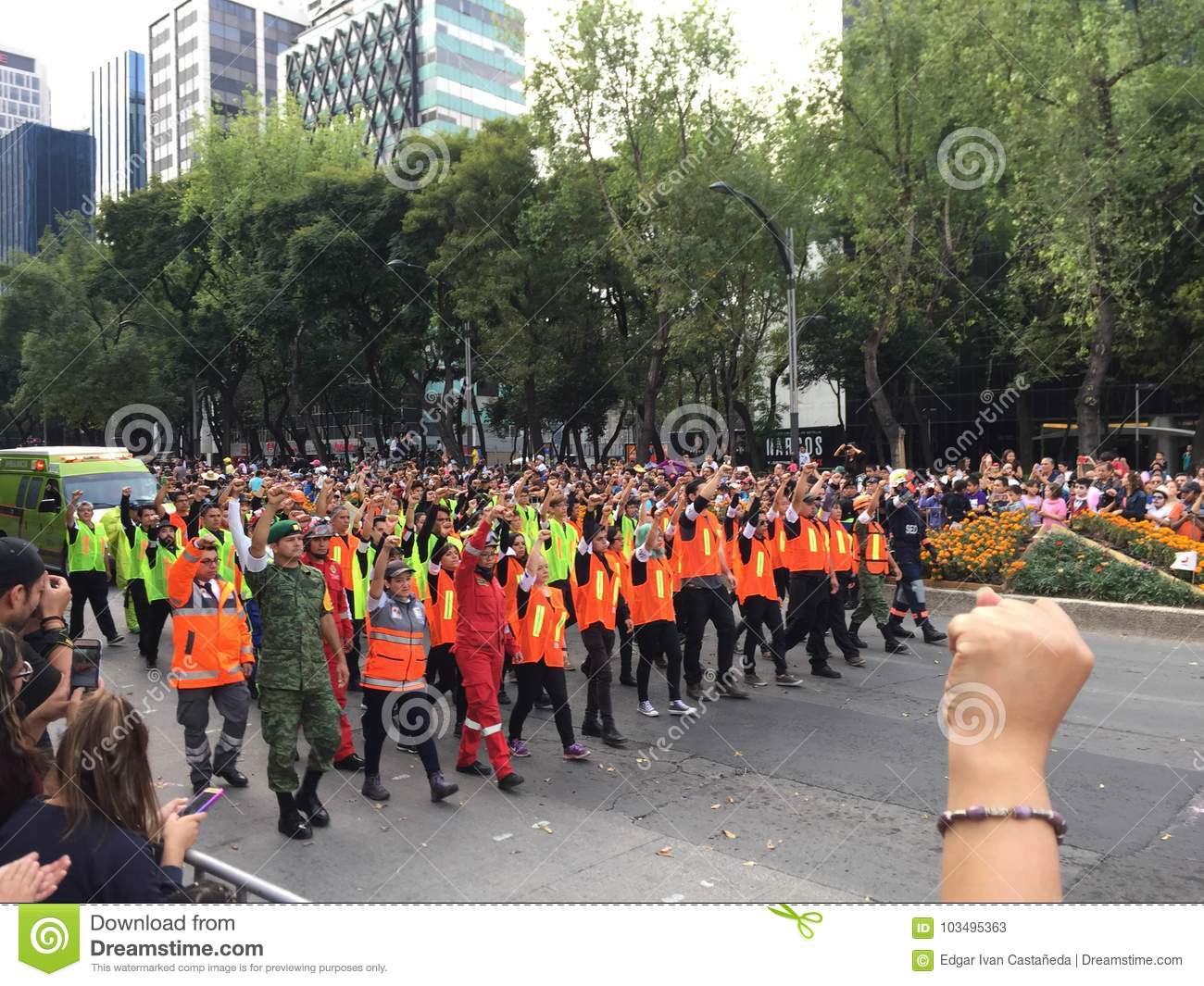 Mexican Rescue team after 19S