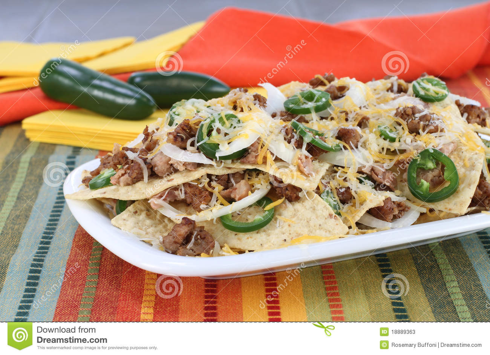 Mexican Sausage, Bean And Cheese Nachos Stock Photos - Image: 18889363