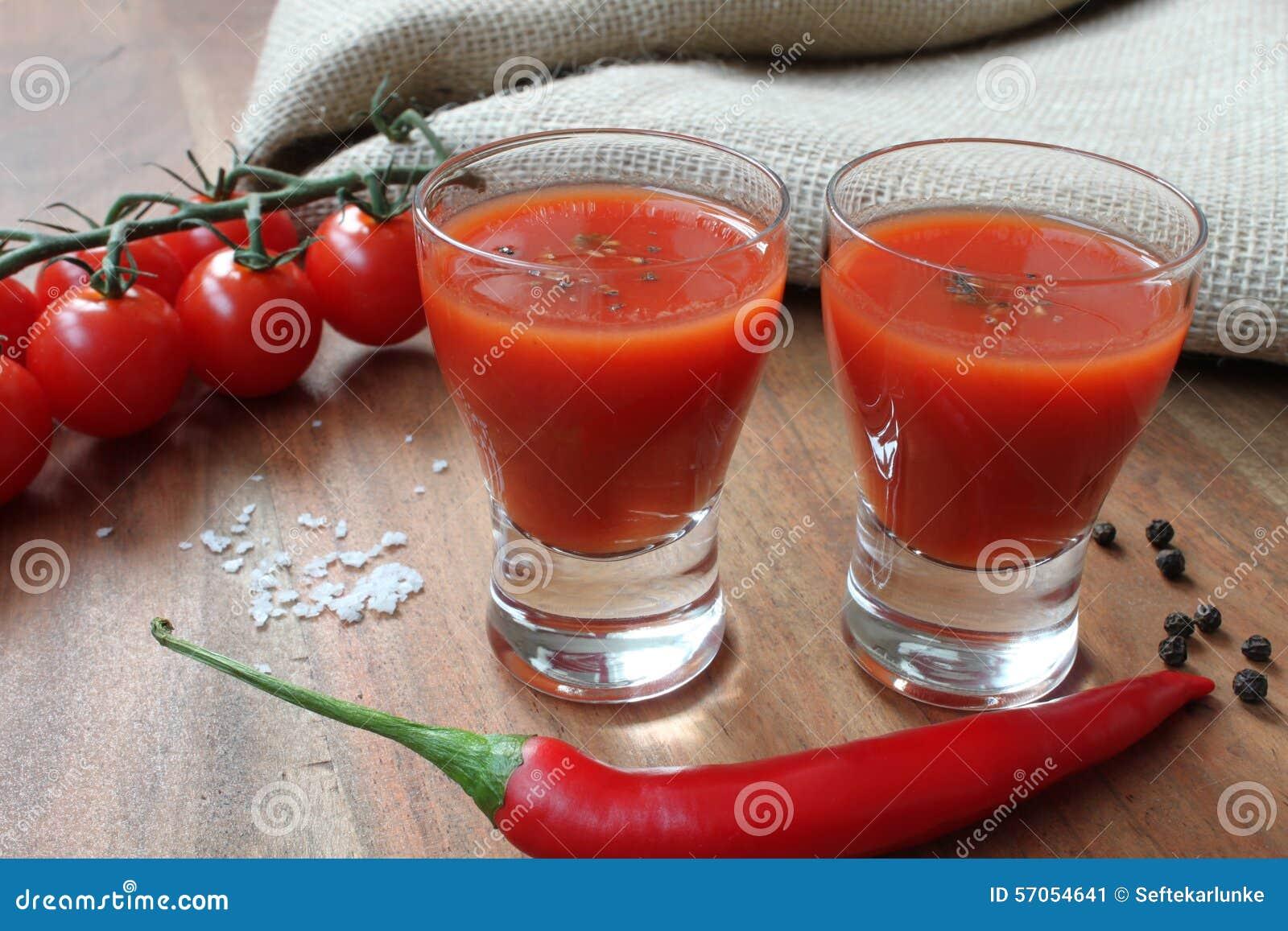 Mexicanen - drank met tomaten en kruiden zoals Spaanse pepers