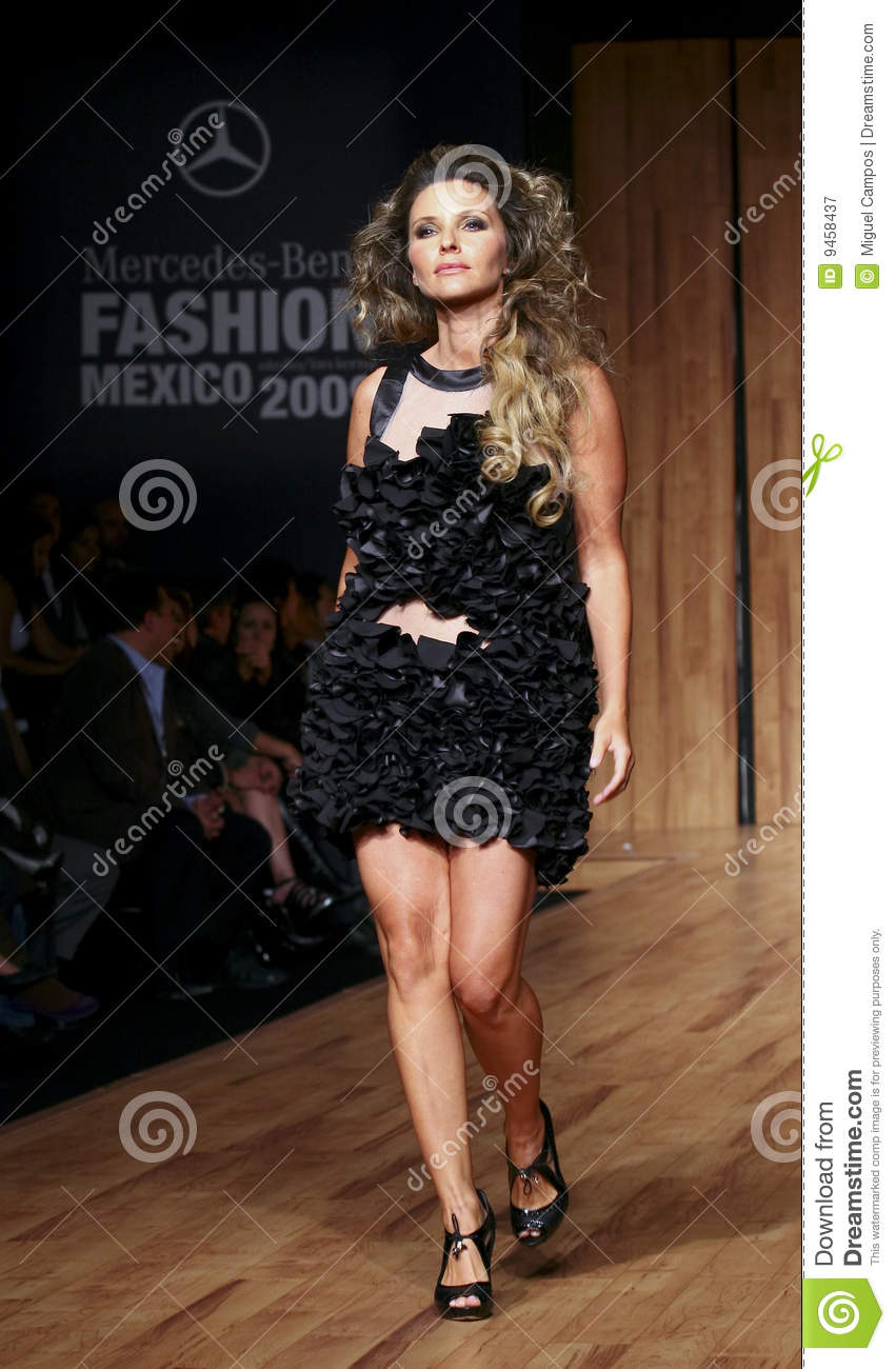 mexico city isabella camil walks the runway editorial free clip art of star clusters free clip art of stars and moon over water