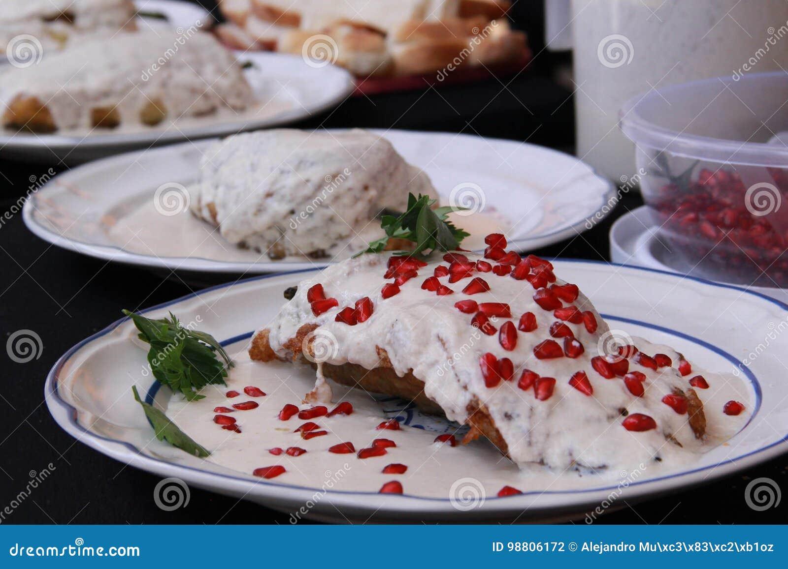 Mexikanisches Küche-Chile-en Nogada
