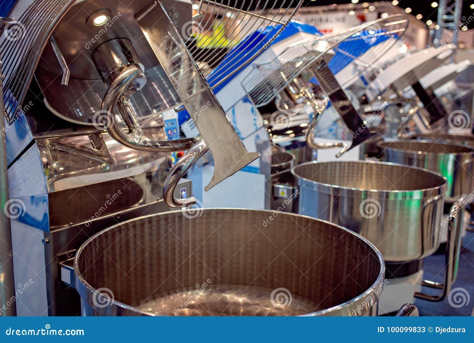 Mezcladora de la pasta industrial grande