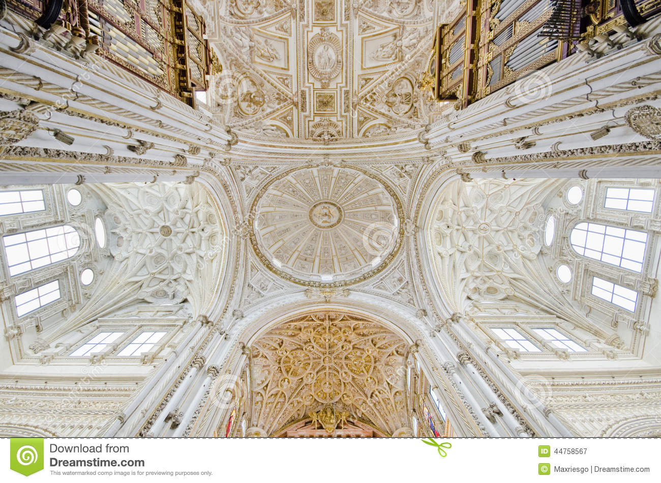 Mezquita de cordoba cathedral wide angle image stock for Interior mezquita de cordoba