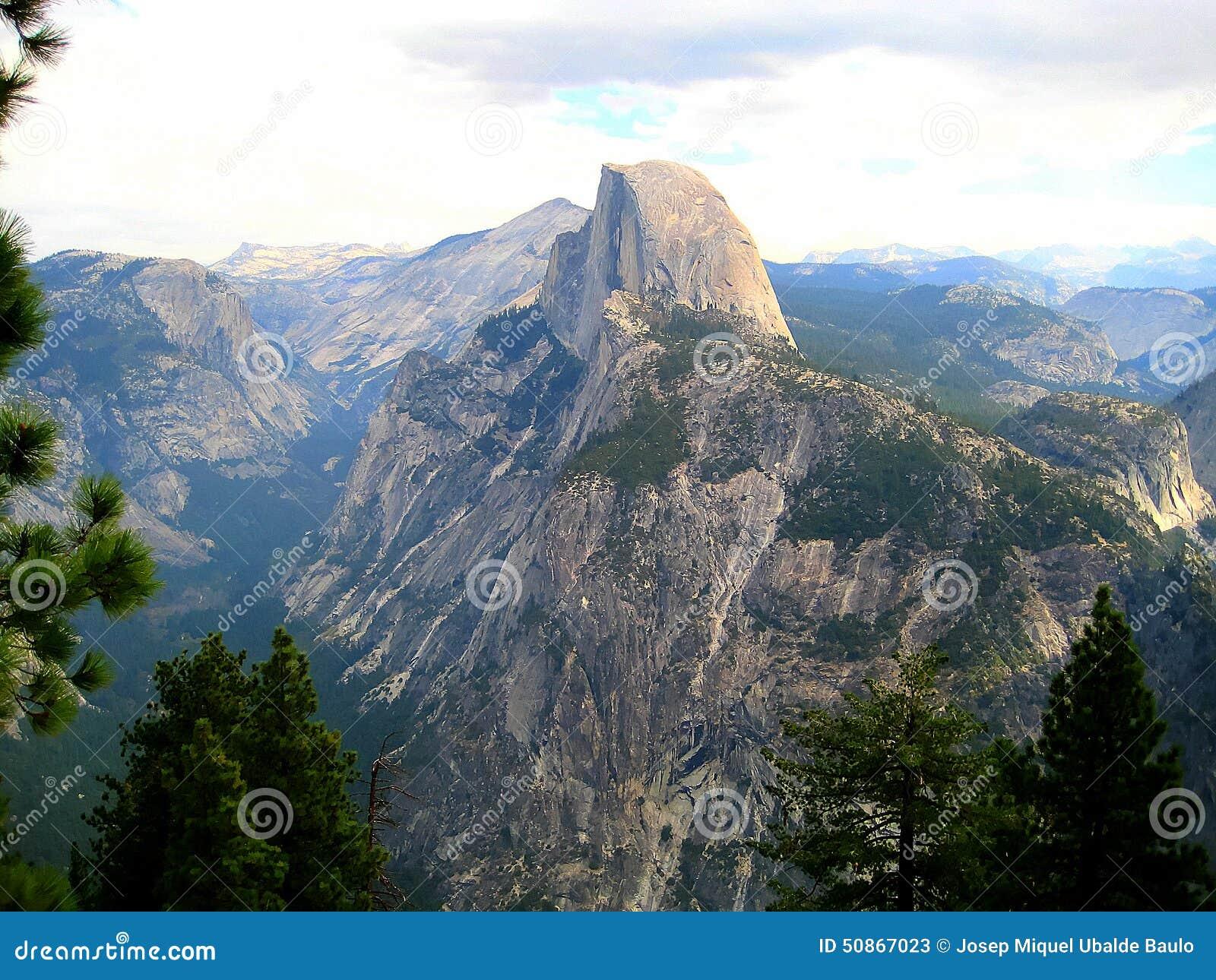 Mezza cupola in Yosemite (California, U.S.A.)