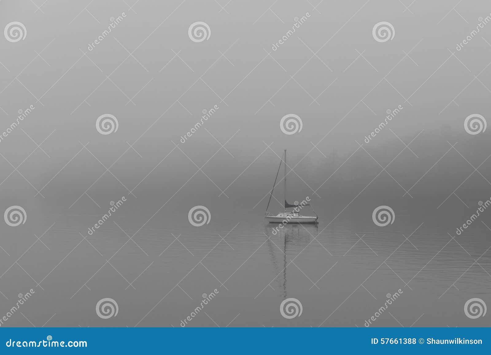Mgła łodzi lake