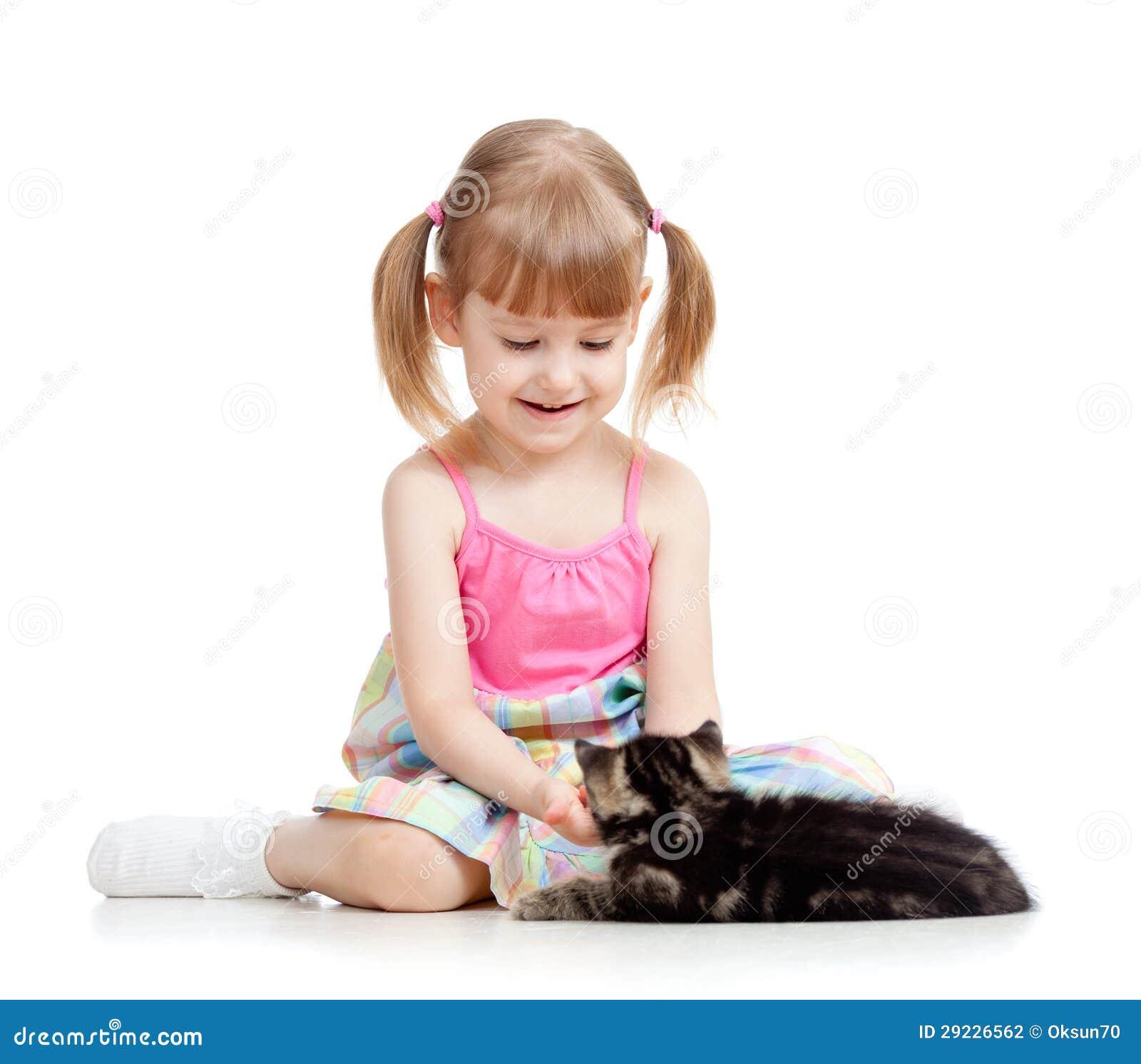 Download Miúdo que joga com gato foto de stock. Imagem de blond - 29226562