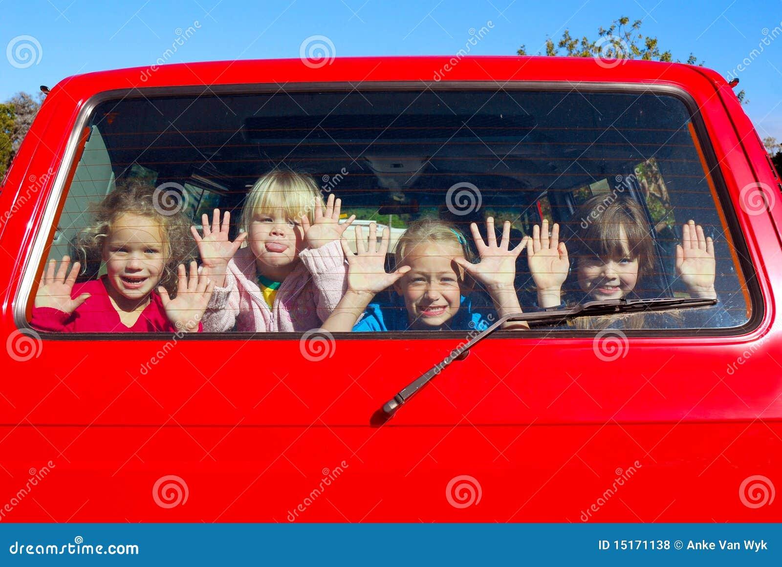 Miúdos no trânsito