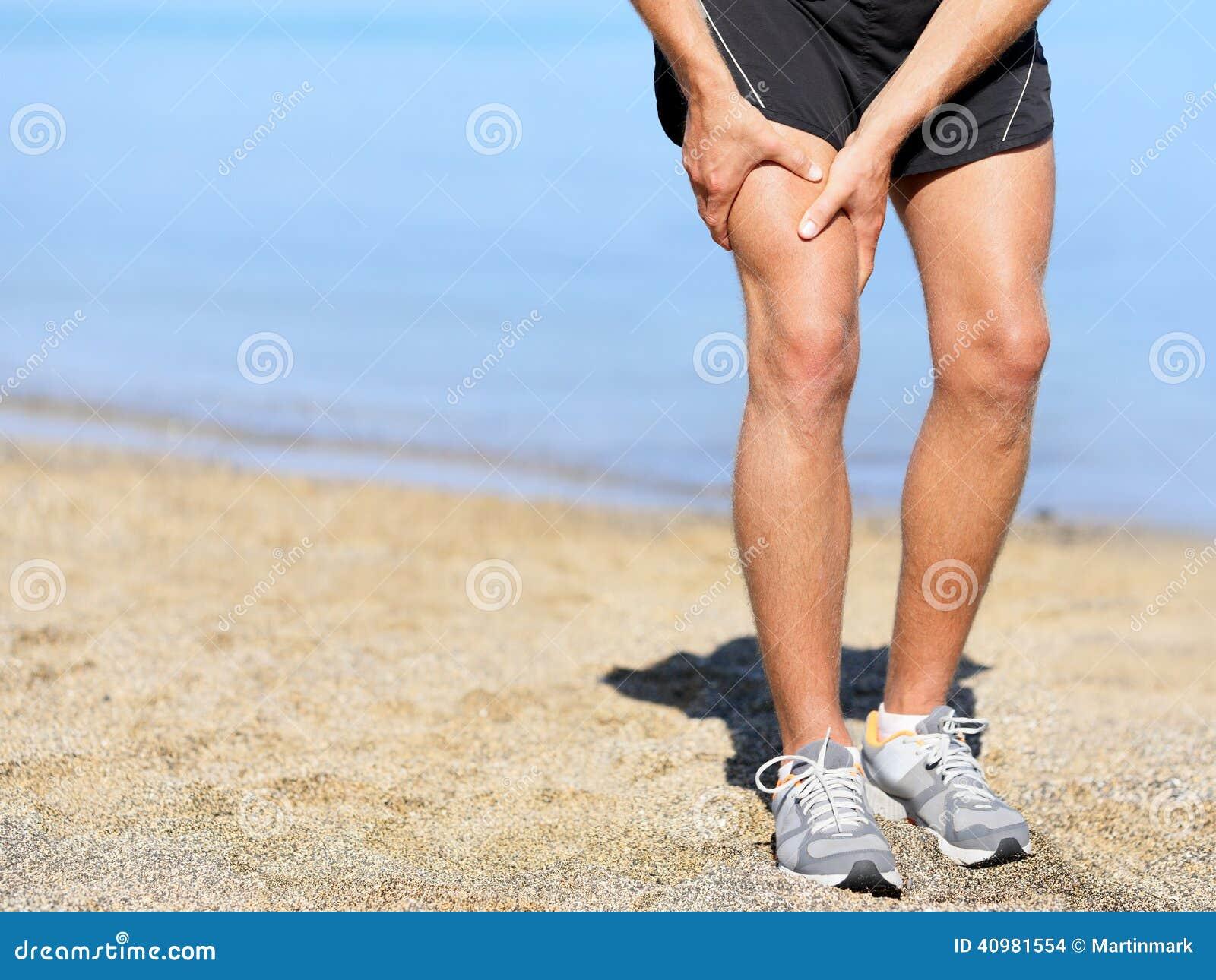 Mięśnia uraz Biegacza mężczyzna z zwichnięcia uda mięśniem