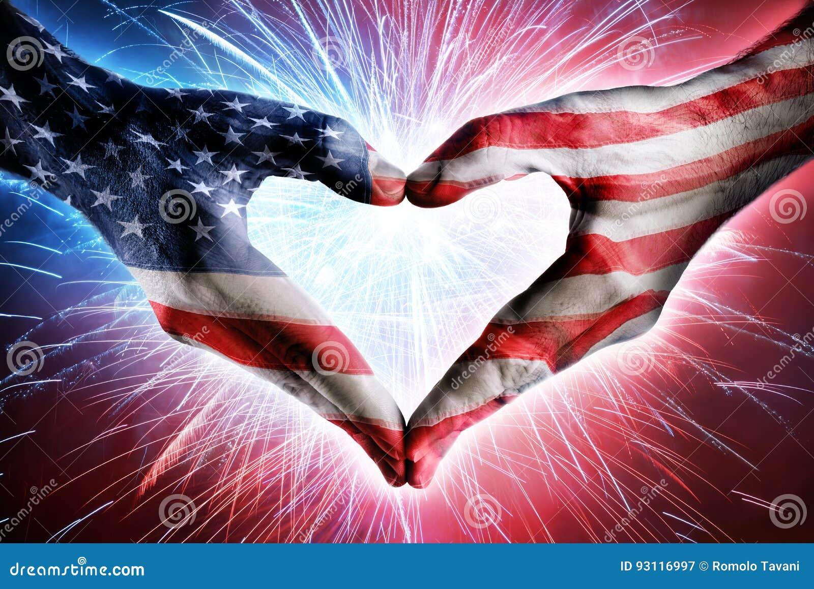 Miłość I patriotyzm - Usa flaga Na serce Kształtować rękach