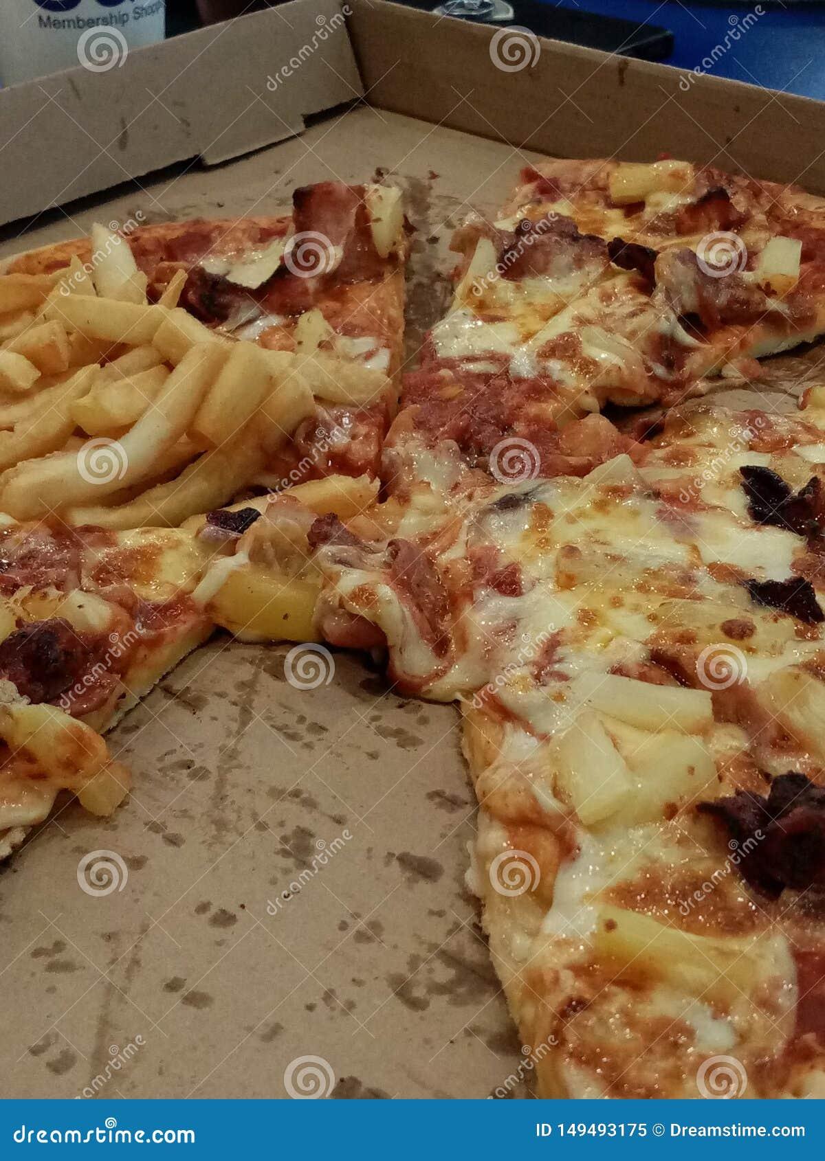 Mi?o?ci wagi ci??kiej pizza