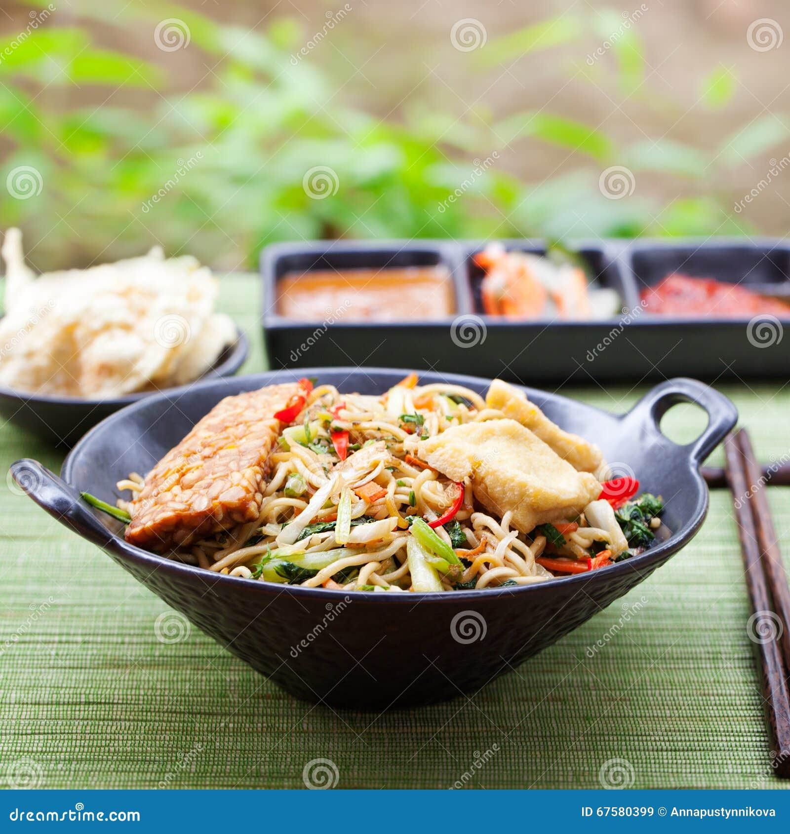 mi-goreng, mee goreng indonesische küche, würziger aufruhr briet