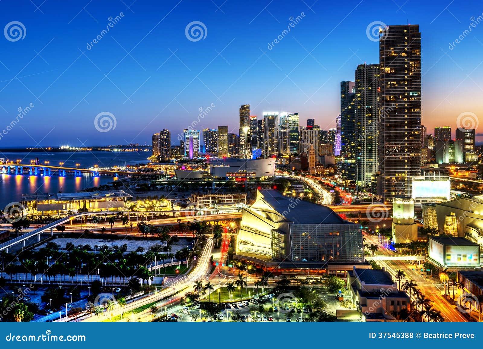 Miami śródmieście przy nocą