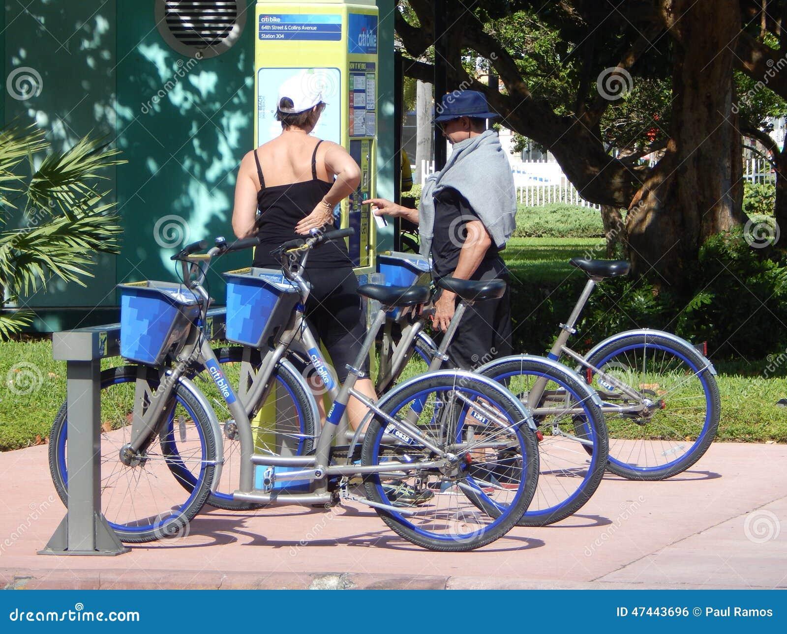 Citi Bike Miami >> Miami Beach City Bike Rentals Editorial Photo Image Of Beach