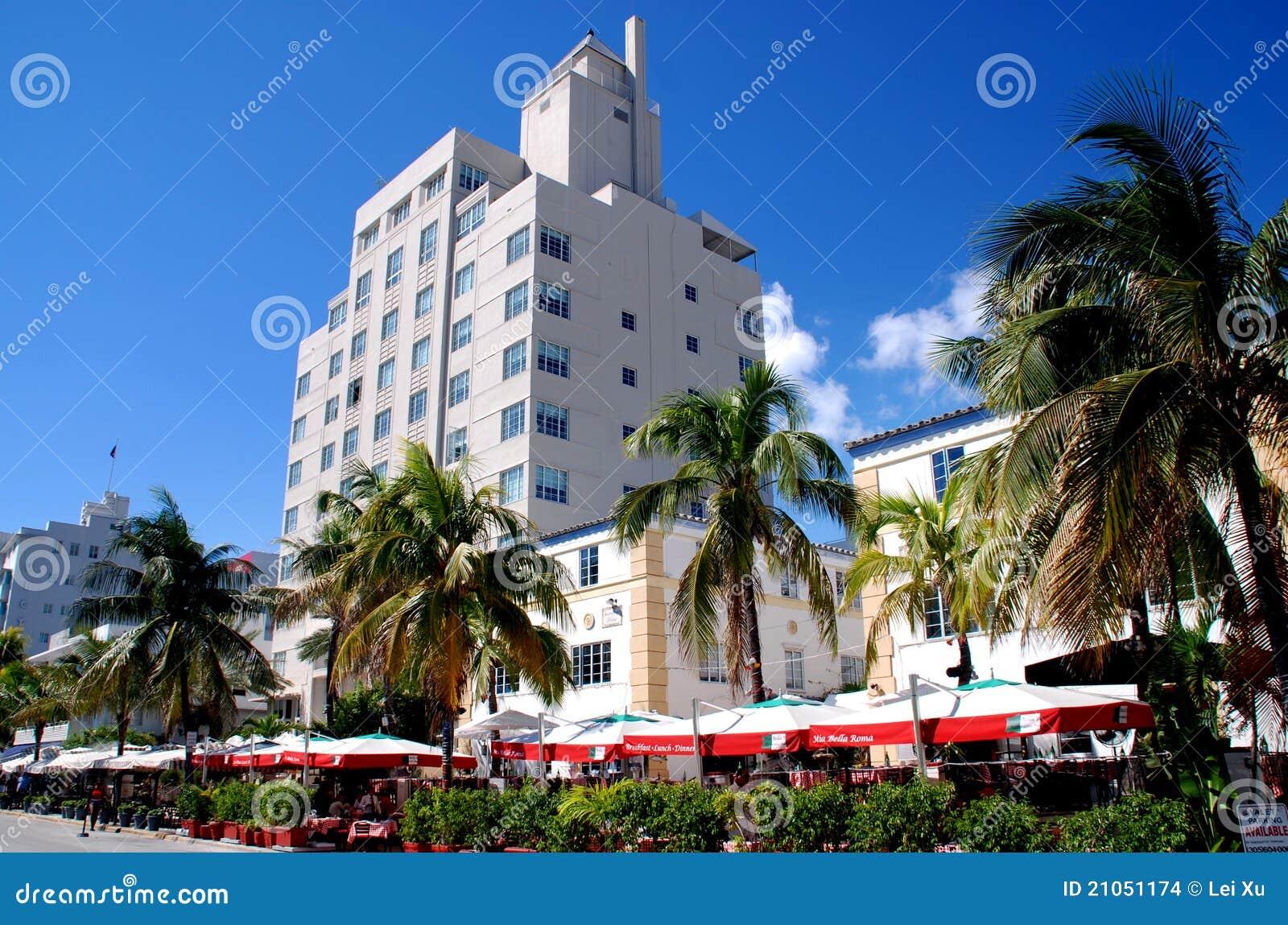 Miami Beach, FL: Ocean Drive Cafés & Hotels