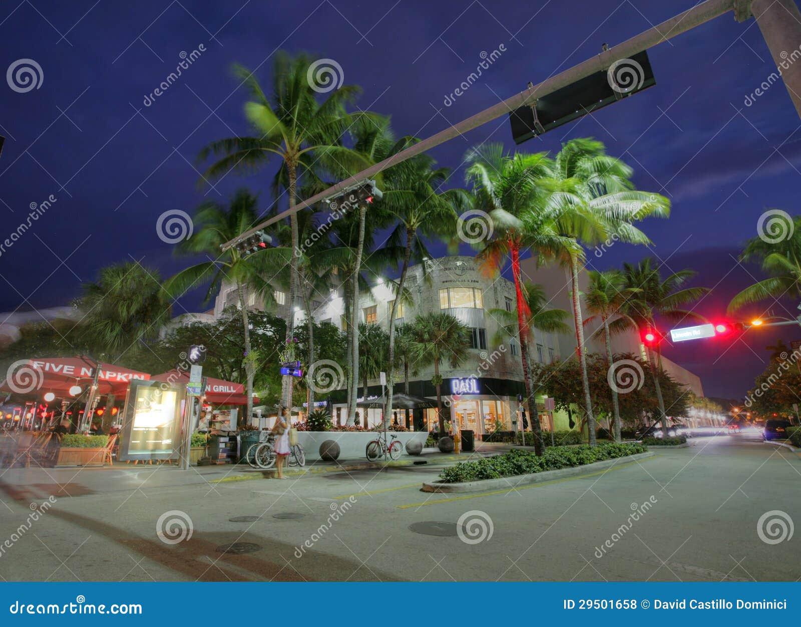 MIAMI, FL - 31 JANUARI: Road van Lincoln, voetweg die oosten-w in werking stellen