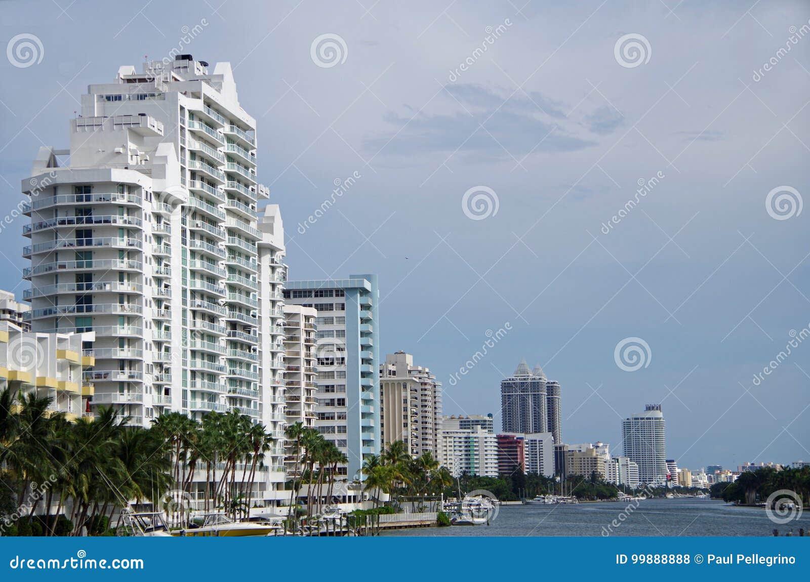 Miami, FL Stany Zjednoczone, Czerwiec, - 16, 2017: Miami plaży linia horyzontu