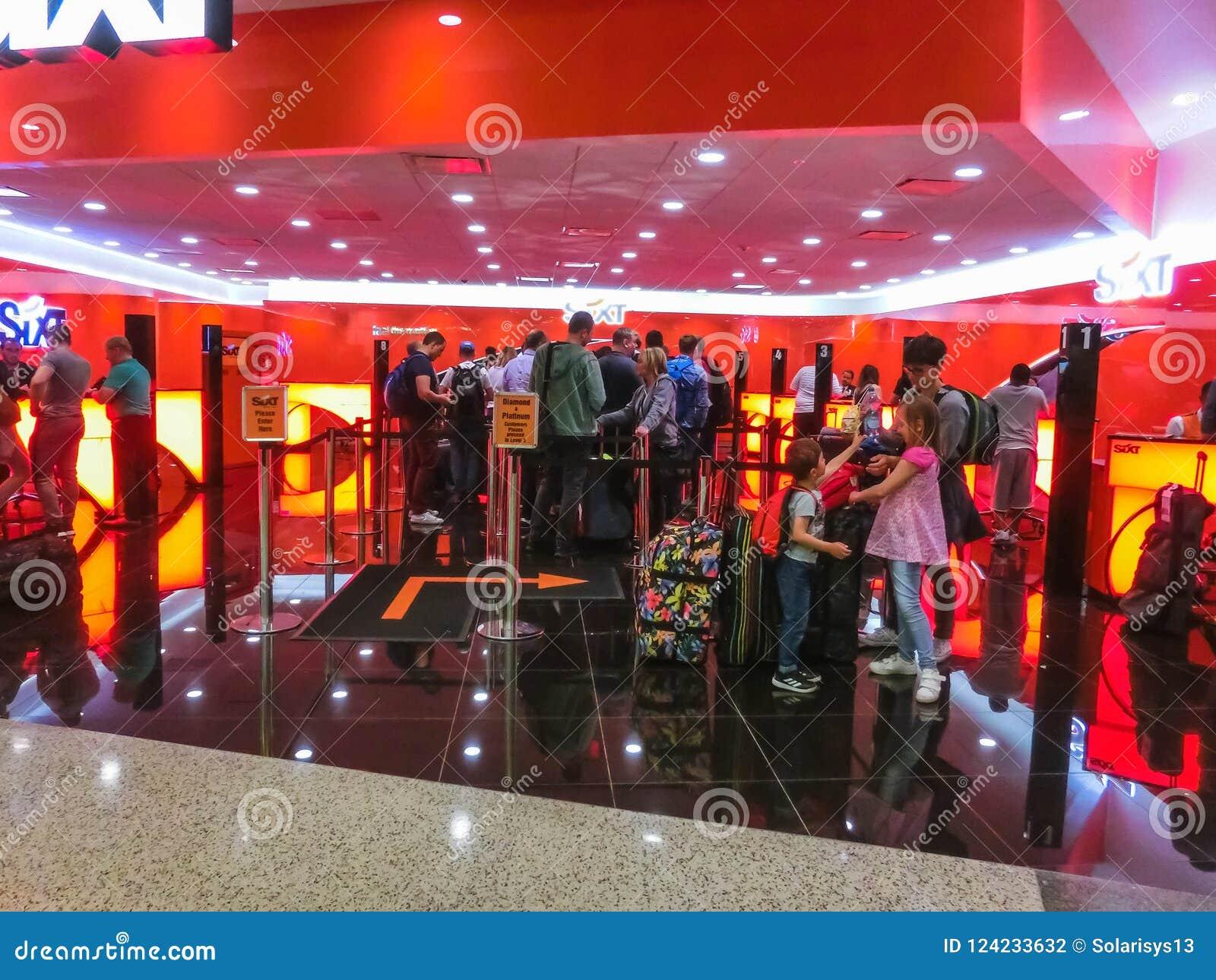 Miami Florida Usa Aprile 28 2018 The Sixt Rental Car Office At