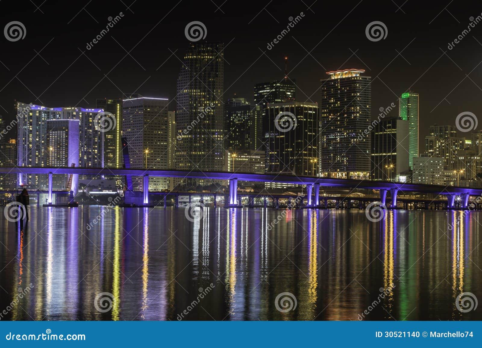 Miami horisont vid natt