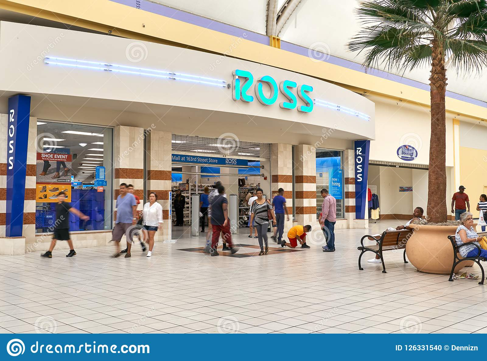 e2a9c193b MIAMI, USA - AUGUST 22, 2018: Ross store entrance and logo. Ross Stores is  an American chain of off-price department stores
