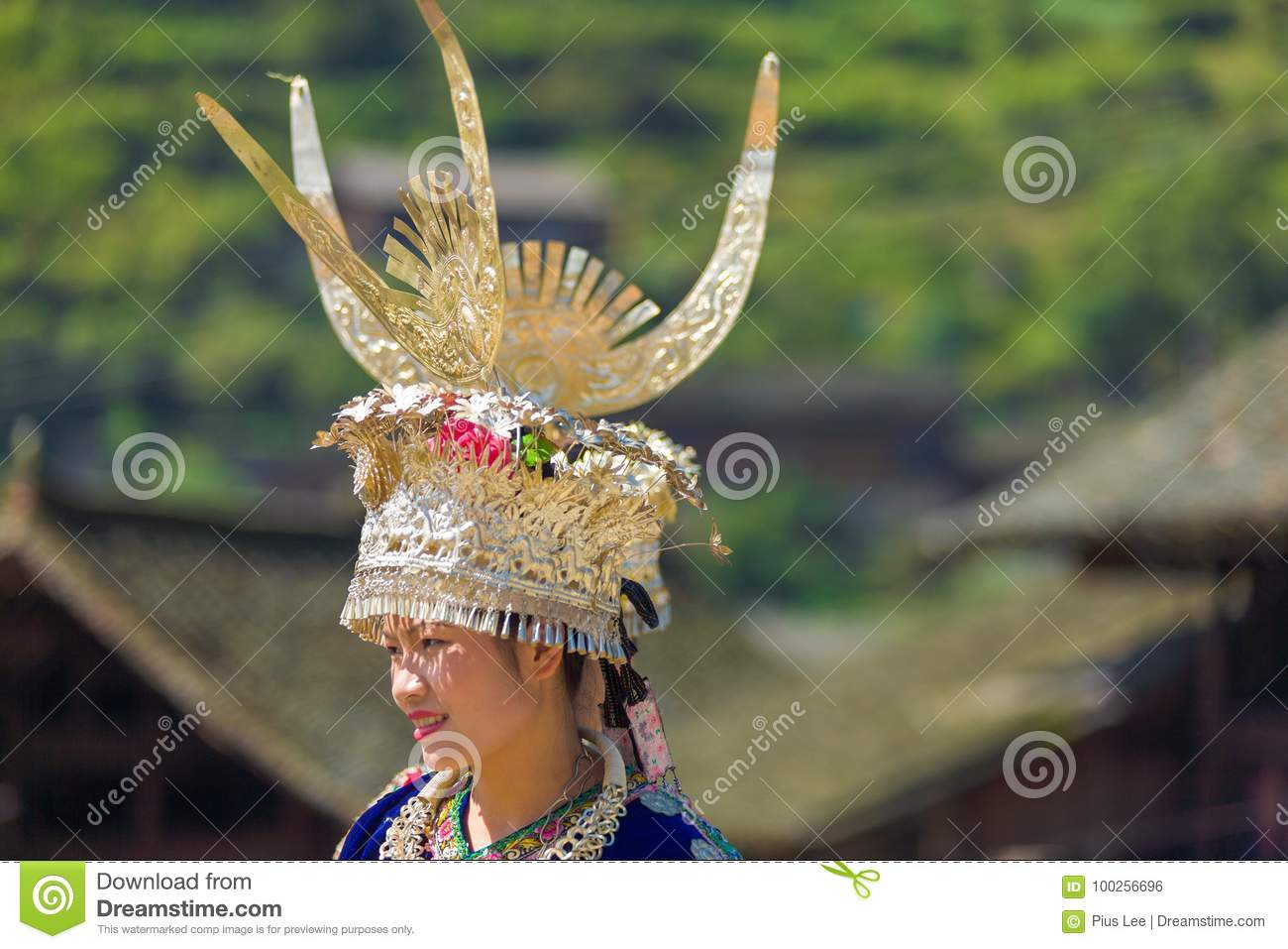 Miao Woman Traditional Horn Headdress-Gewaaddorp