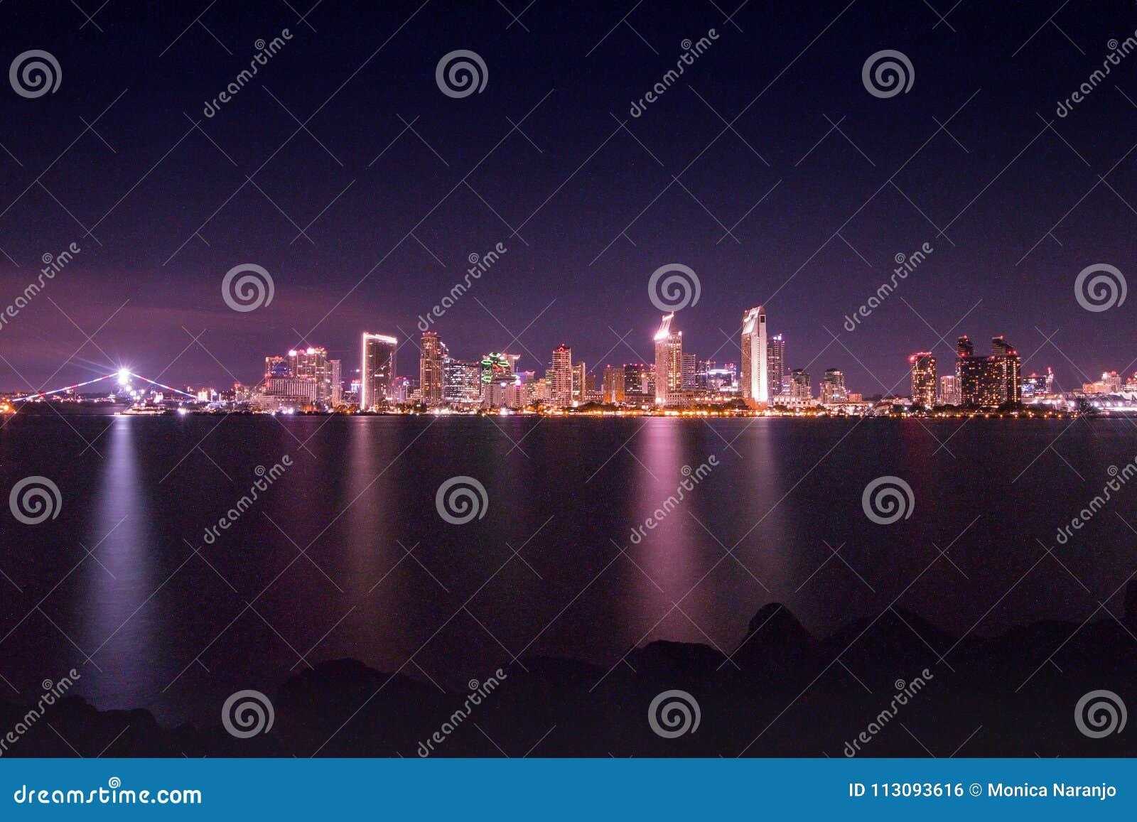Miast światła nad San Diego zatoką