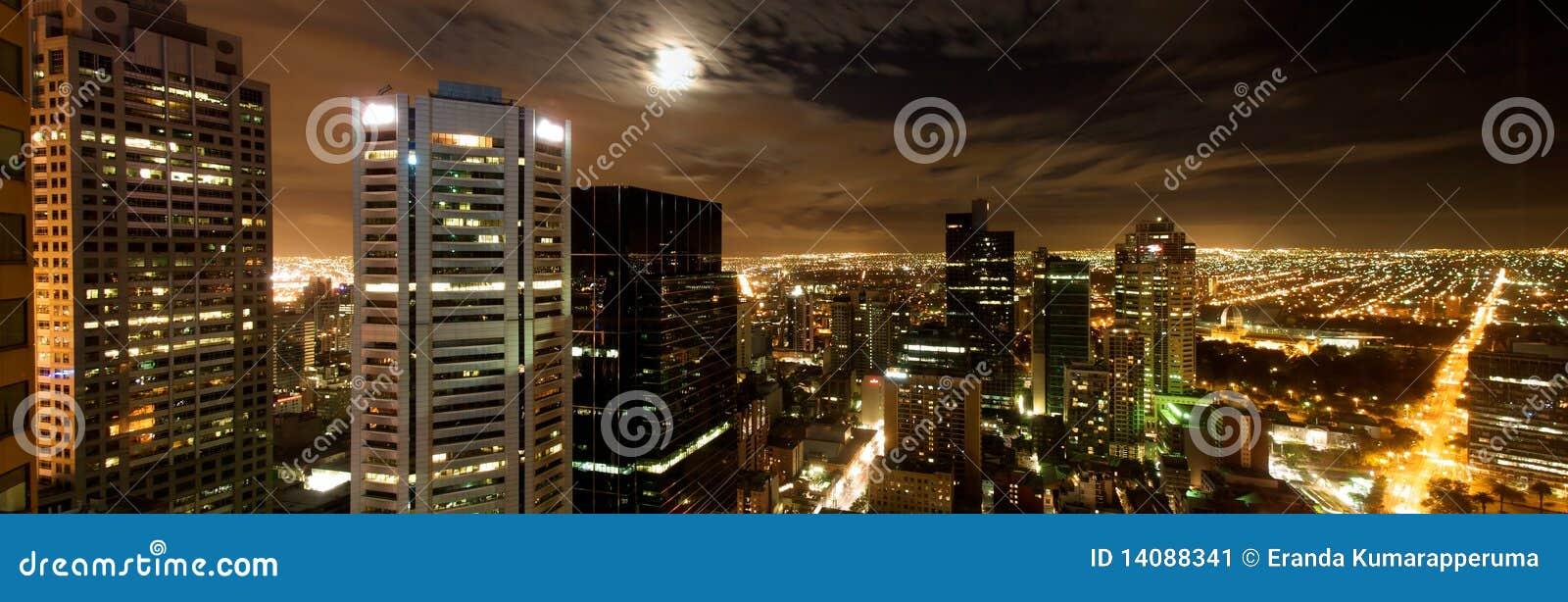 Miasta Melbourne noc panoramy linia horyzontu