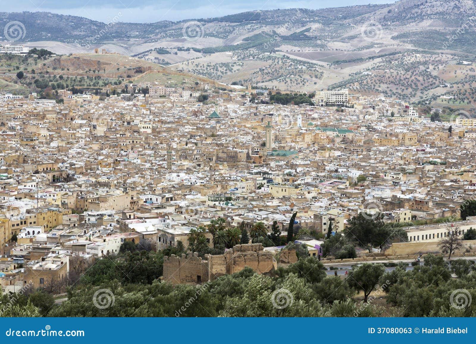 Download Miasto Fes w Maroko obraz stock. Obraz złożonej z wierza - 37080063